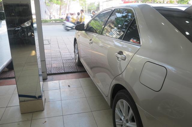 Hùng Phát Auto bán ô tô Toyota Camry 2.5G đời 2014