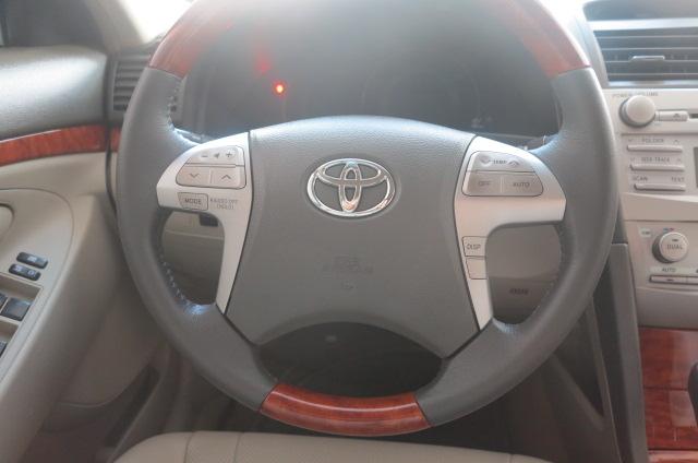 Cần bán Toyota Camry G đời 2008, màu đen, số tự động