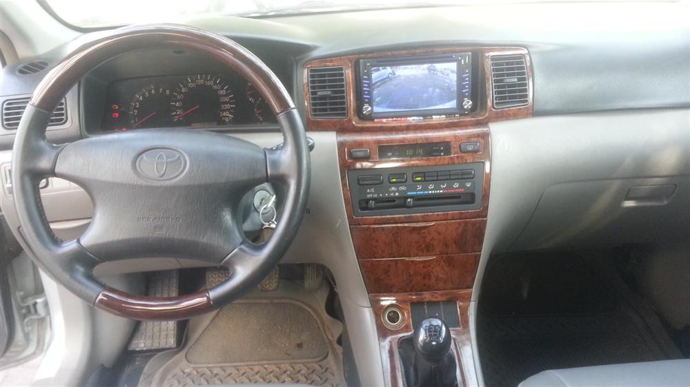 Cần bán gấp Toyota Corolla Altis 1.8 2002, màu bạc, số sàn