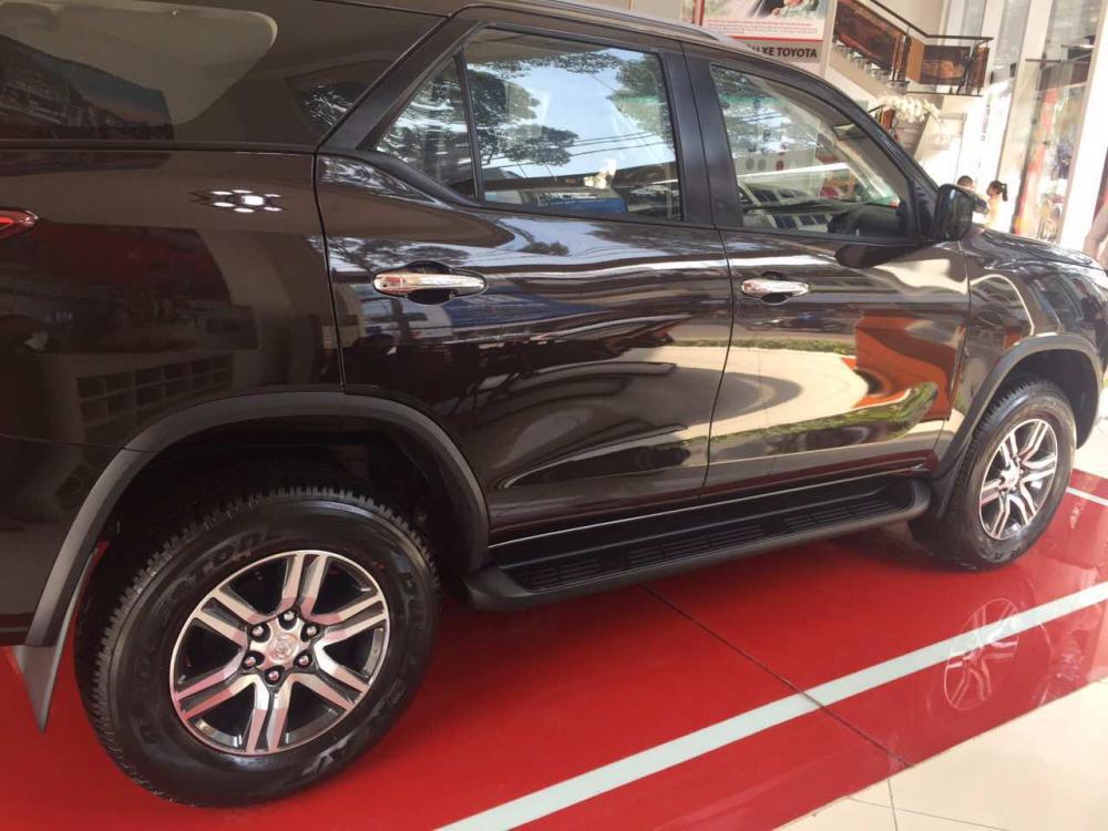 Xe Toyota Fortuner 2.7V (4X2) đời 2019, nhập khẩu chính hãng