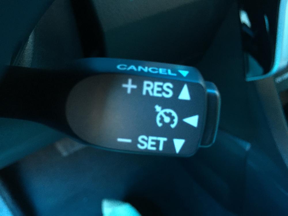 Toyota Corolla Altis 1.8G 2020, giá tốt nhất, giao xe ngay, phiếu thay dầu miễn phí. LH 0988611089