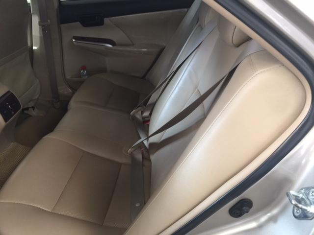 Cần bán xe Toyota Camry 2.0E đời 2013, màu nâu, số tự động