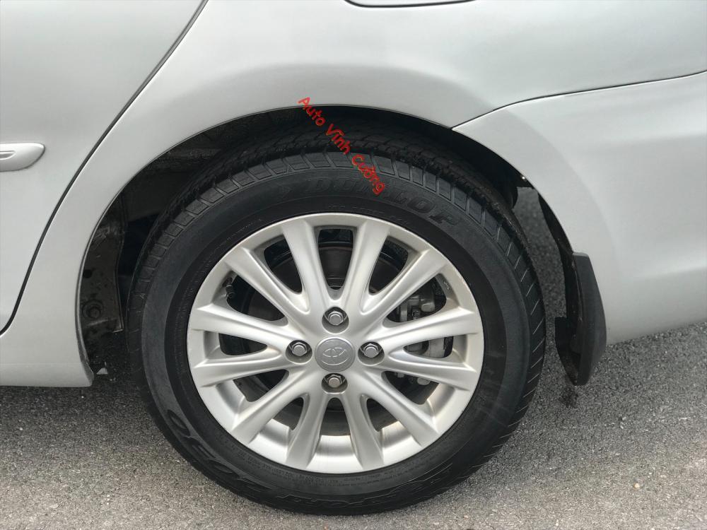 Bán Toyota Vios 1.5E MT 2011, màu bạc