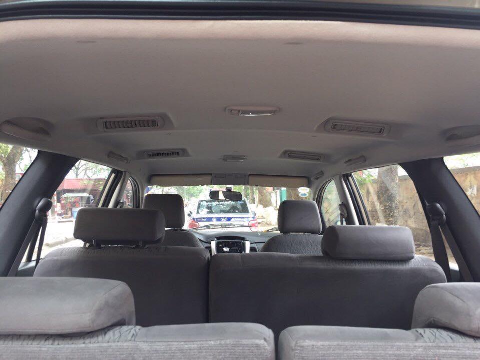 Cần bán xe Toyota Innova 2013 số sàn, màu vàng cát, biển TP