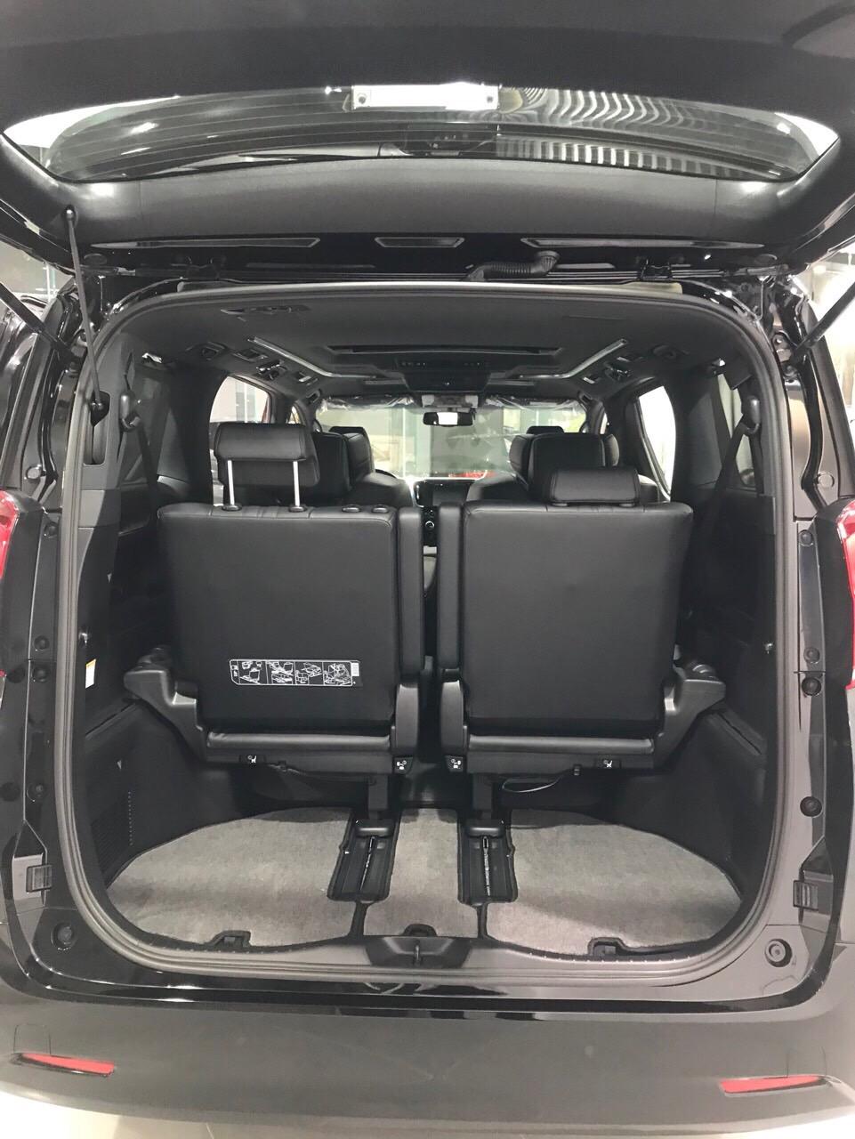 Bán Toyota Alphard 3.5 năm 2019, màu đen, nhập khẩu