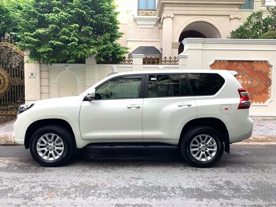 Bán Toyota Prado TXL 2.7L model 2018, trắng kem full options, giá tốt