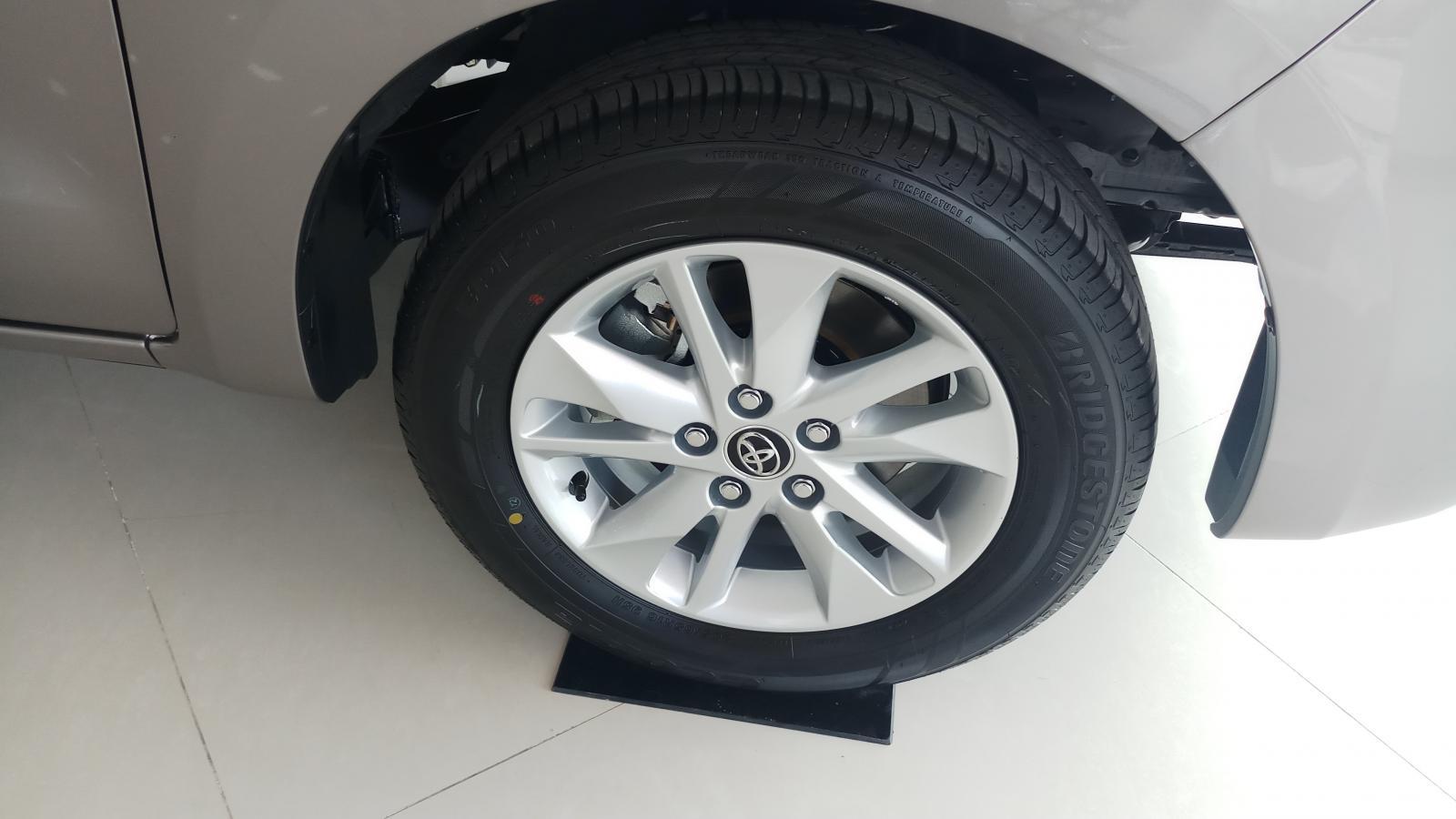 Bán Toyota Innova 2.0E mới 100%, sản xuất năm 2019 KM khủng, giao ngao
