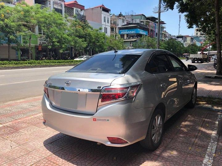 Xe Toyota Vios MT sản xuất năm 2017, màu bạc chính chủ