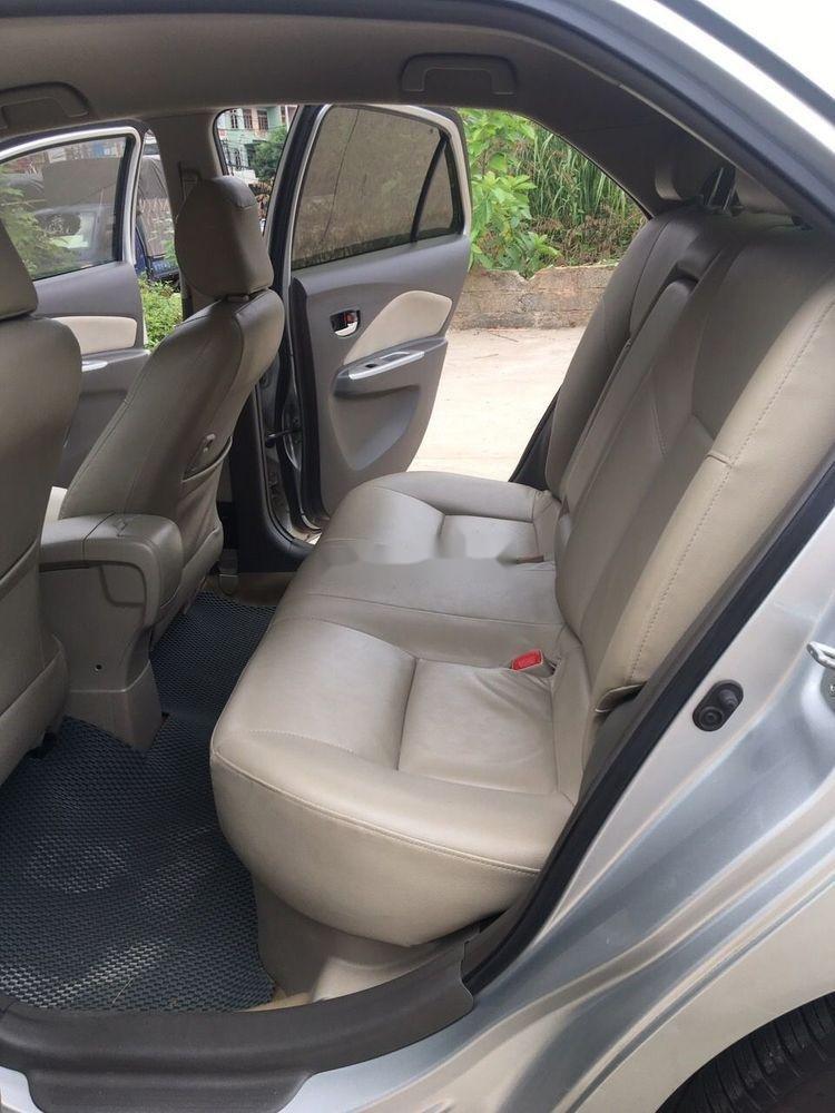 Cần bán Toyota Vios đời 2011, màu bạc số tự động, giá chỉ 362 triệu