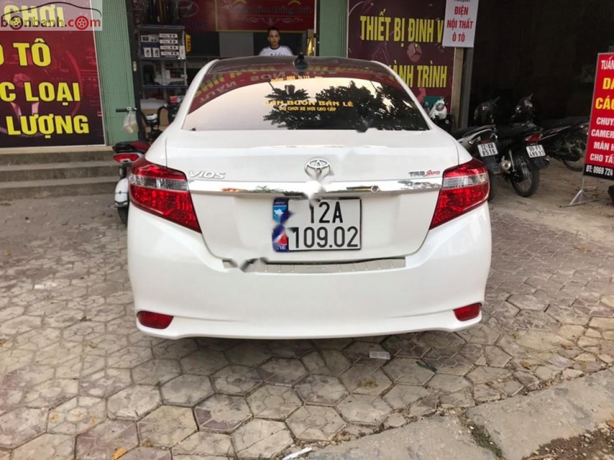 Cần bán Toyota Vios E 2017, màu trắng số tự động