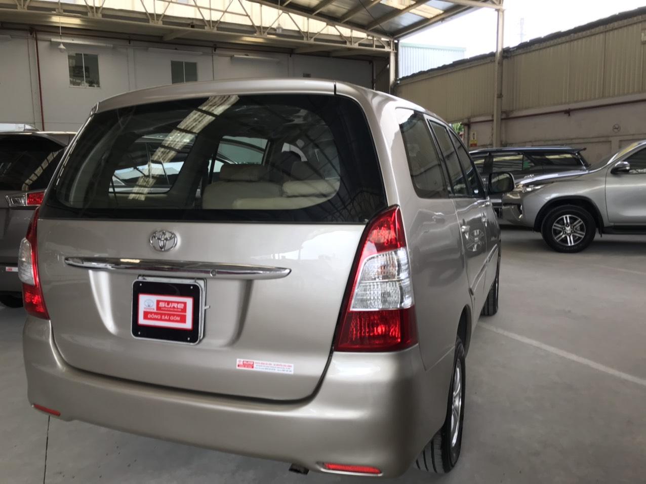 Bán xe Innova J 2 dàn lạnh sx 2013, màu sơn hãng, giá mềm máy móc êm