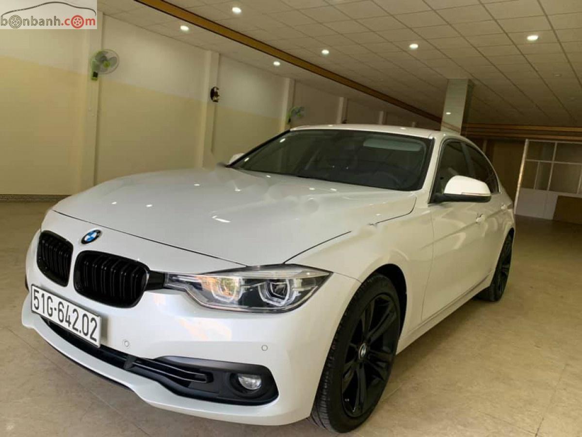 Cần bán BMW 3 Series 320i đời 2016, màu trắng, xe nhập chính hãng