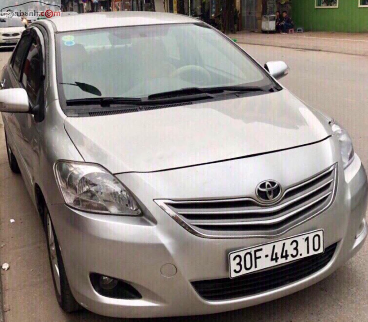 Cần bán xe Toyota Vios E đời 2010, màu bạc số sàn, giá tốt