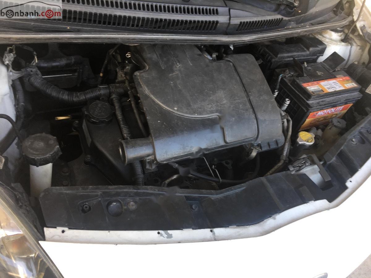 Cần bán gấp Toyota Aygo đời 2006, màu trắng, nhập khẩu