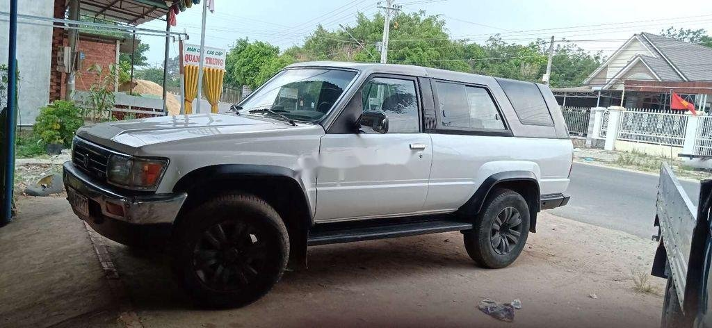 Bán Toyota 4 Runner sản xuất năm 1987, màu trắng, nhập khẩu, giá 89tr