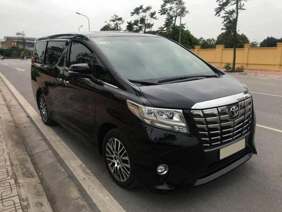 Chính chủ cần bán xe Toyota Alphard Executive sản xuất năm 2016, màu đen