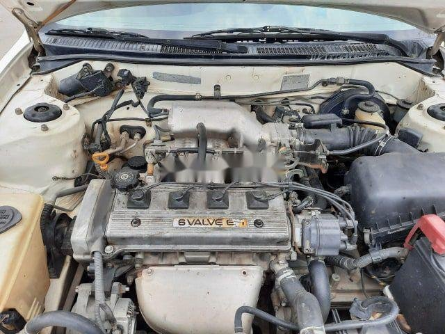 Bán Toyota Corolla 1.6 năm 2000, xe còn zin 90%
