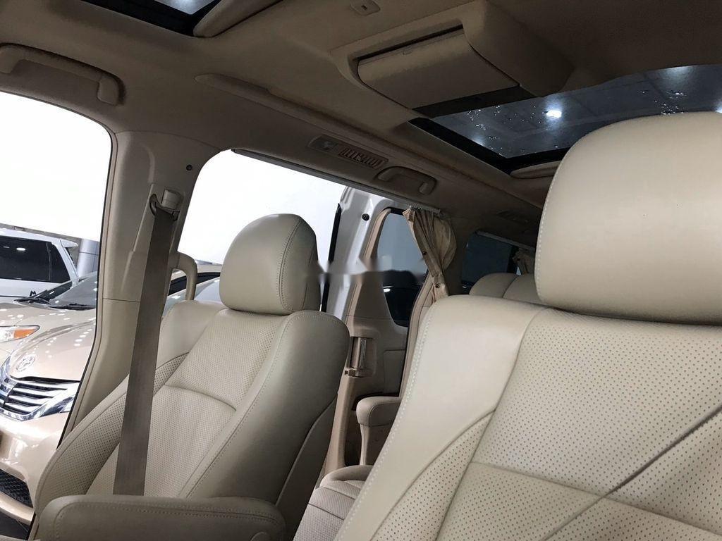 Cần bán gấp Toyota Alphard năm sản xuất 2011, nhập khẩu