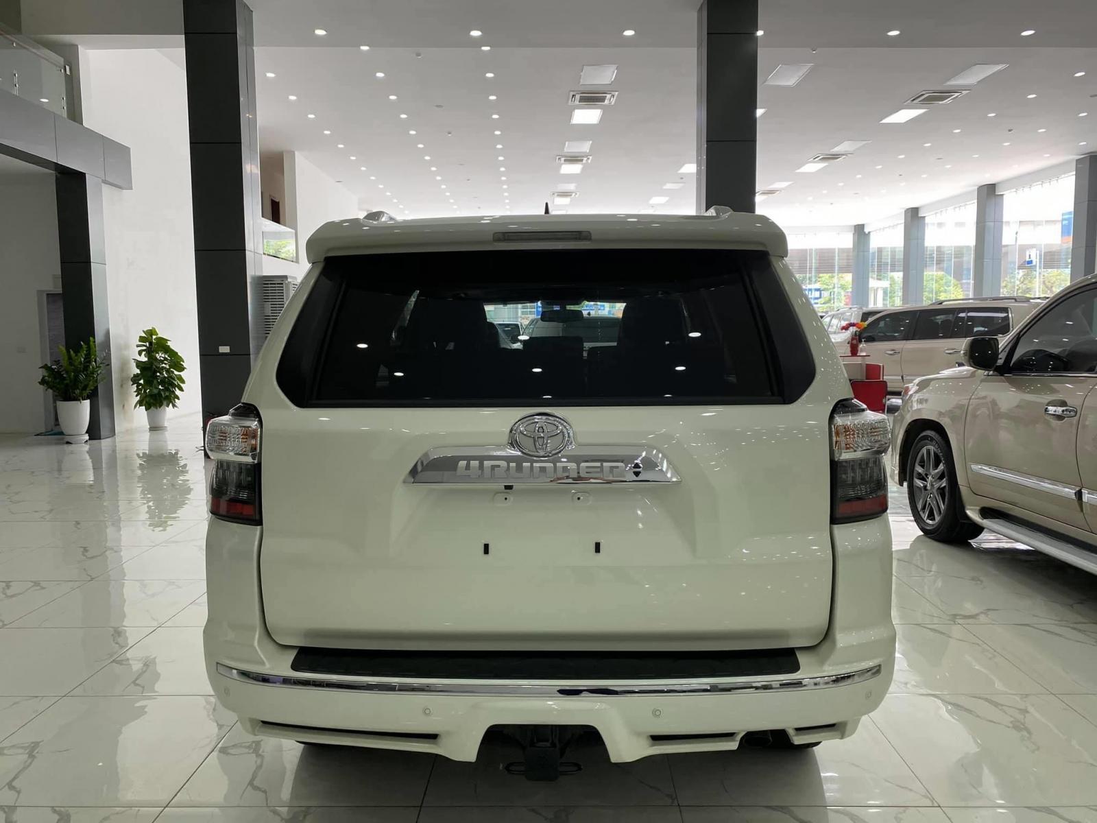 Cần bán xe Toyota 4 Runner Limited 4.0 đời 2018, màu trắng, xe nhập