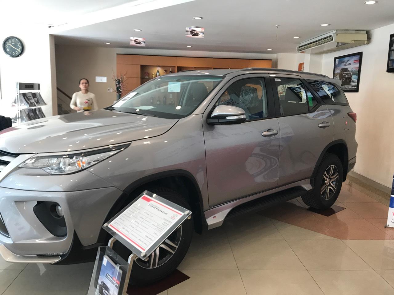Cần bán xe Toyota Fortuner G đời 2020, màu bạc giá cạnh tranh