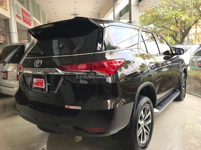 Bán xe Fortuner máy dầu số tự động 2 cầu, sx 2019, màu nâu, xe cực đẹp 6.600 km