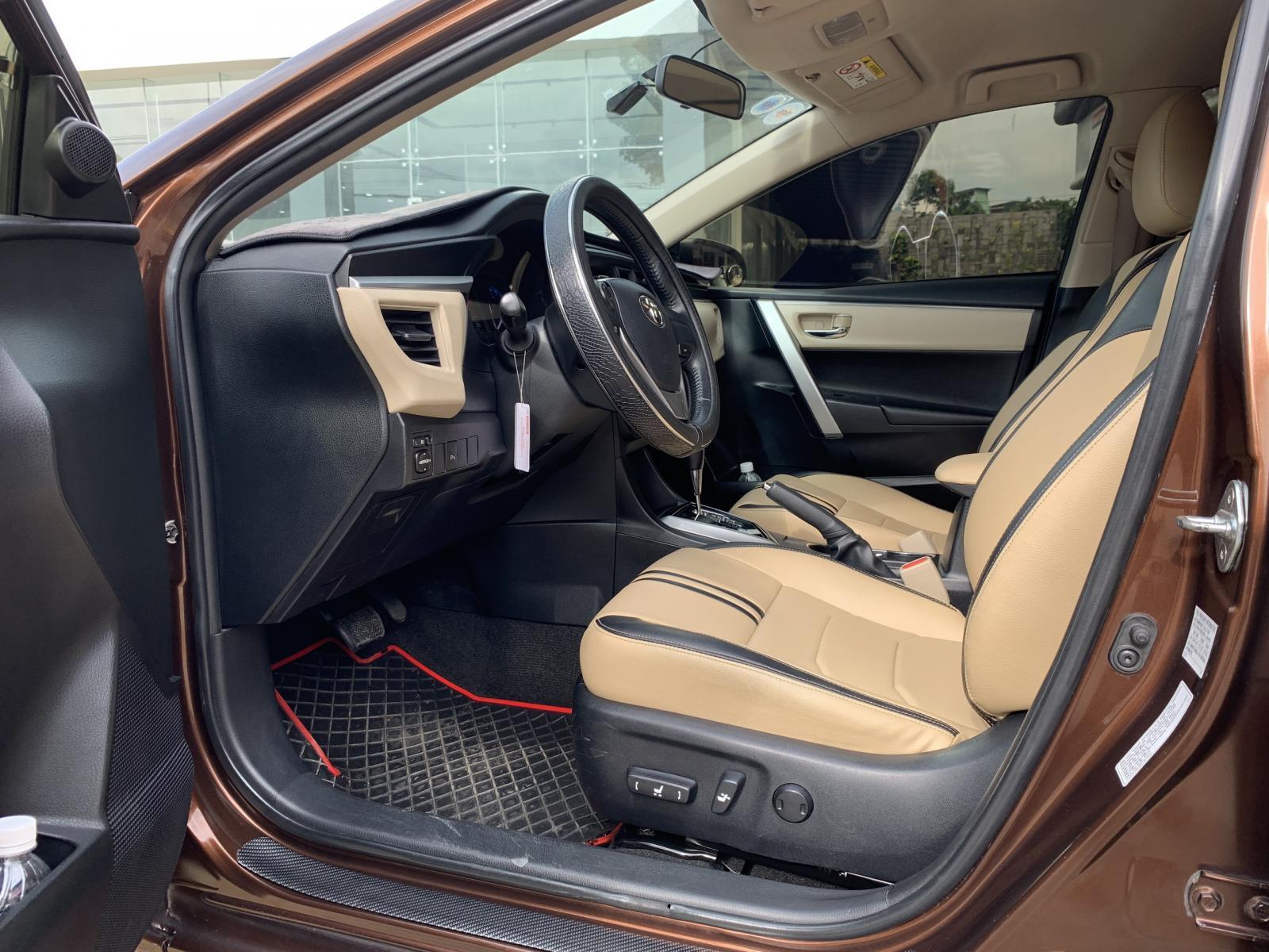 Xe Toyota Corolla altis 1.8G năm 2014, màu nâu