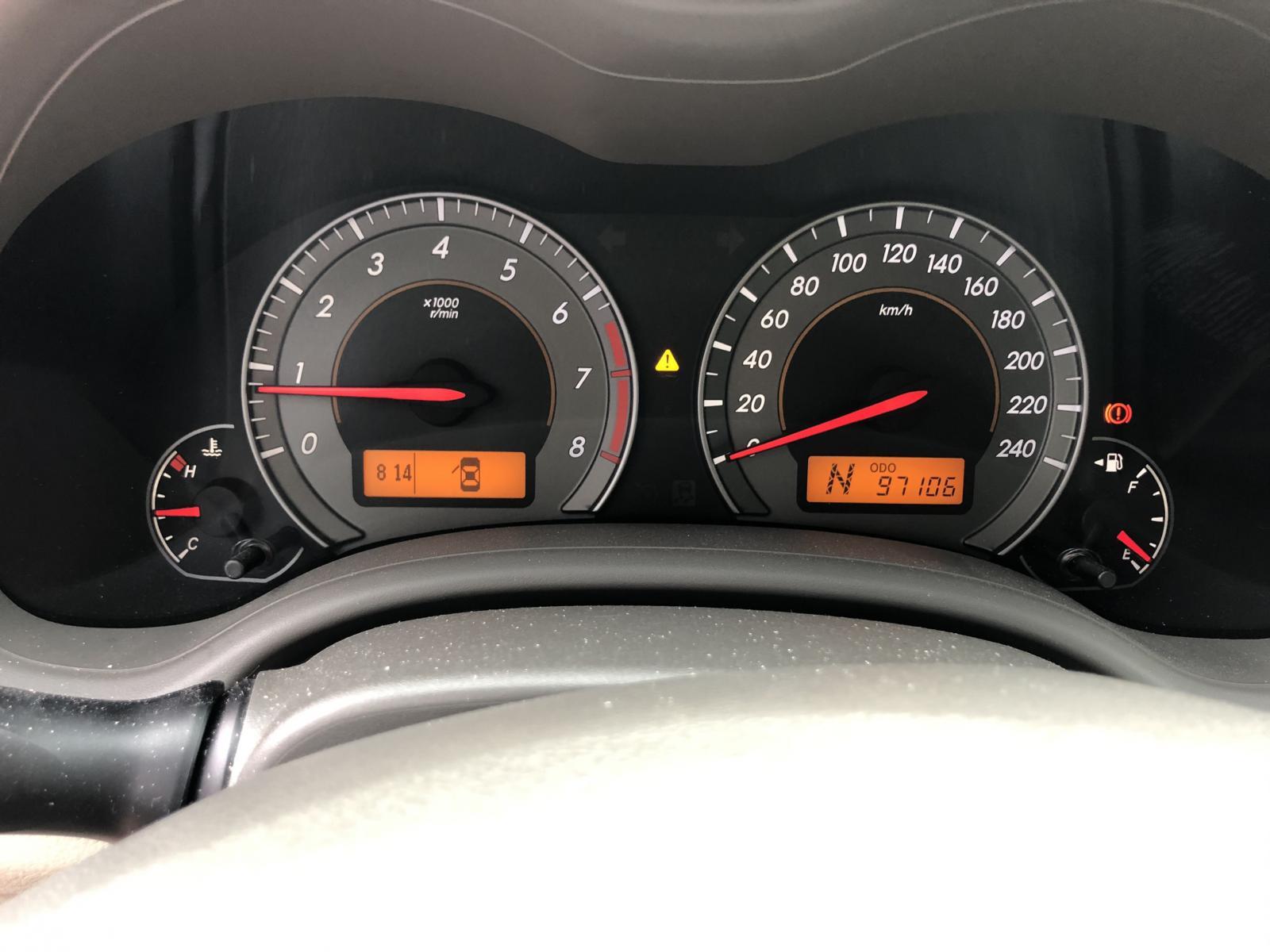 Cần bán lại xe Toyota Corolla altis 1.8G đời 2009, màu bạc