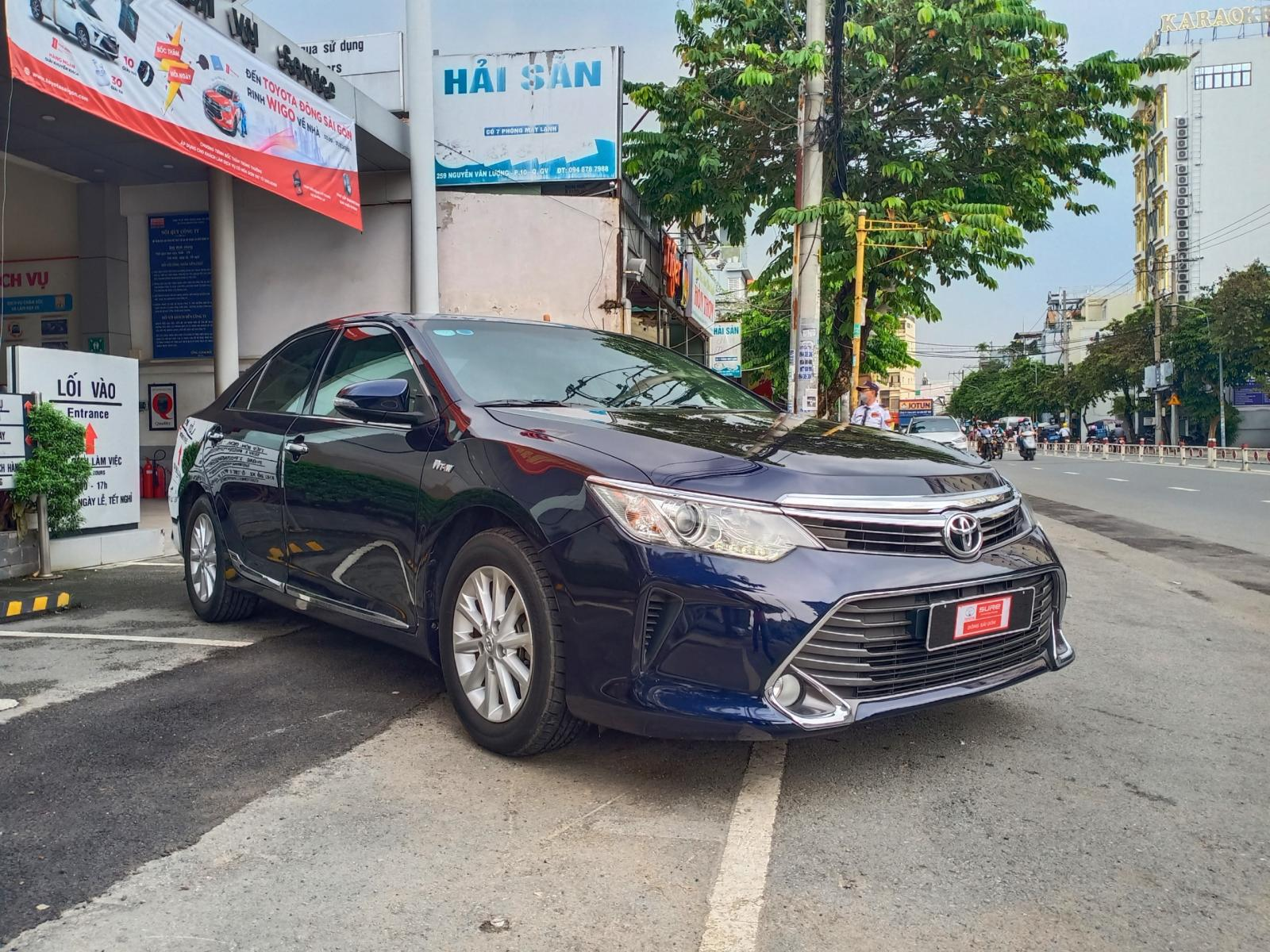 Bán xe Toyota Camry 2.0E đời 2016, giá ưu đãi