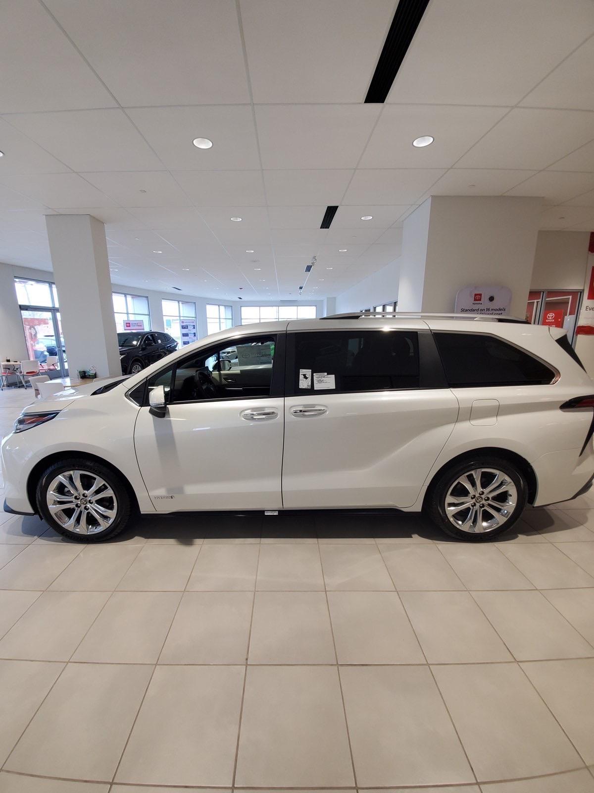 Bán Toyota Sienna Platinum 2.5 AWD 2021, nhập Mỹ, bản mới nhất