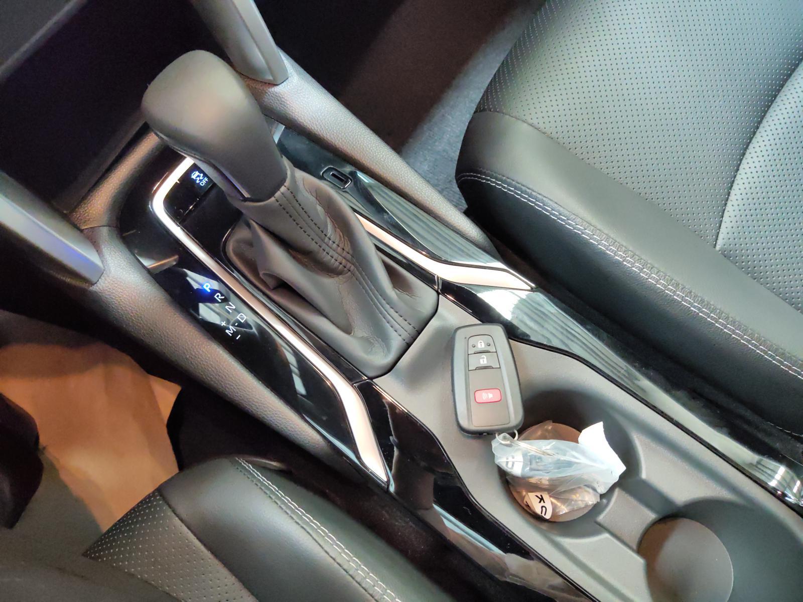 Corolla Cross mới tại Toyota An Sương LH em Dương