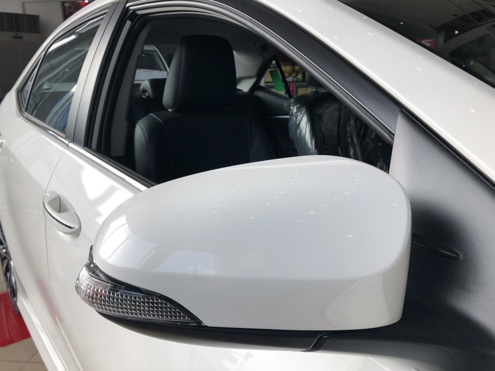 Bán ô tô Toyota Corolla Altis 1.8 G 2021, màu trắng, giá tốt