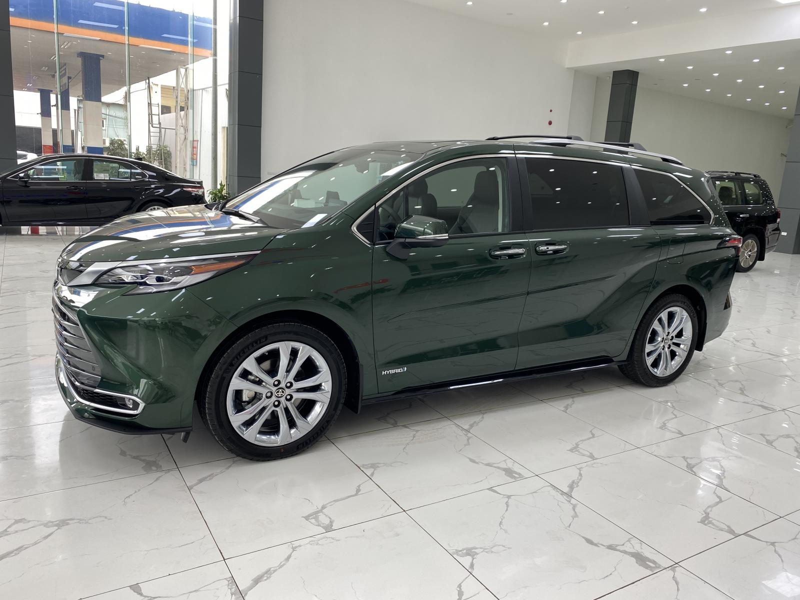 Bán Toyota Sienna Limited nhập Mỹ, sản xuất 2021,mới 100%, xe giao ngay.