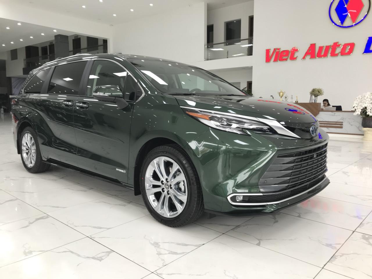 Bán Toyota Sienna Platinum xanh bộ độ sản xuất 2021 nhập, mới 100%, xe được sản xuất tại Mỹ