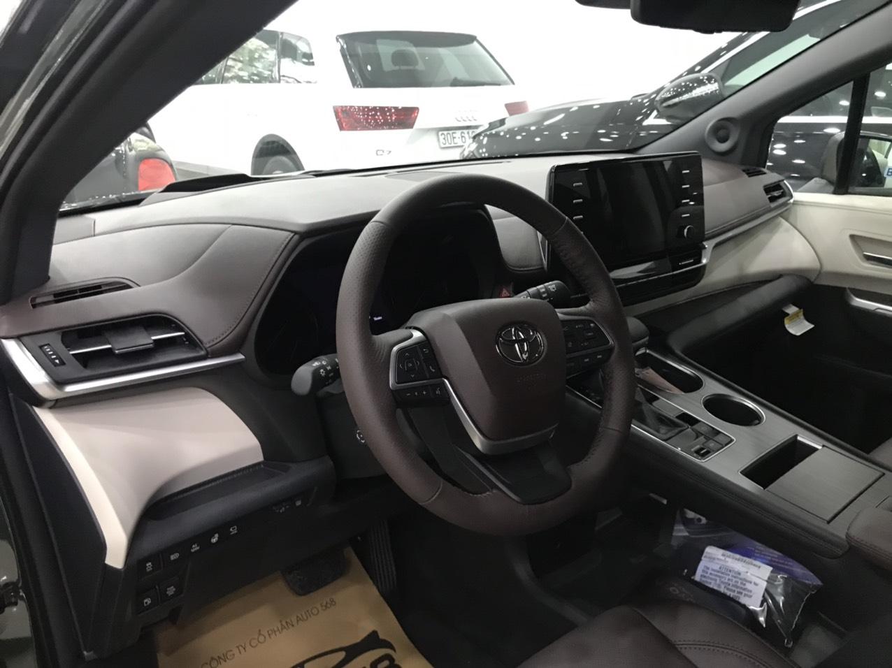 Bán ô tô Toyota Sienna Platinum 2021, màu xanh bộ đội, nhập khẩu Mỹ