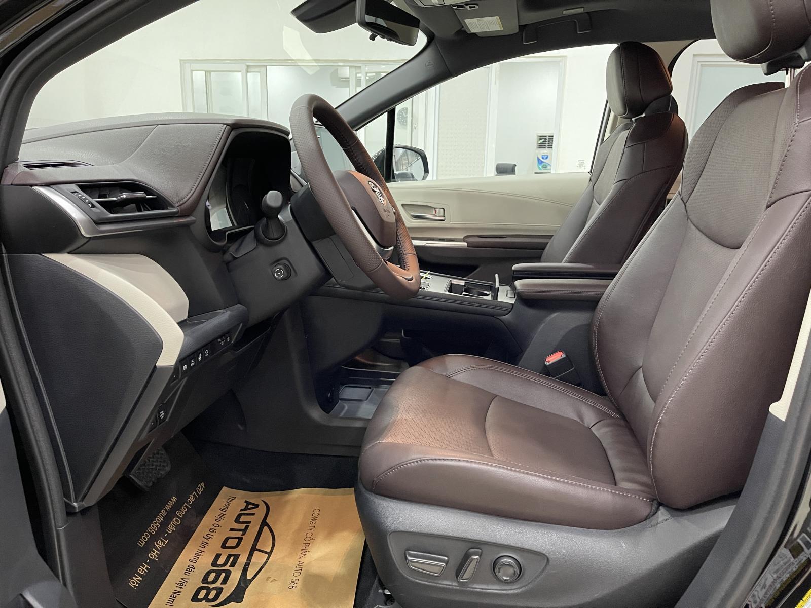Toyota Sienna Platinum 2021, màu đen, nhập khẩu Mỹ, giá cực tốt