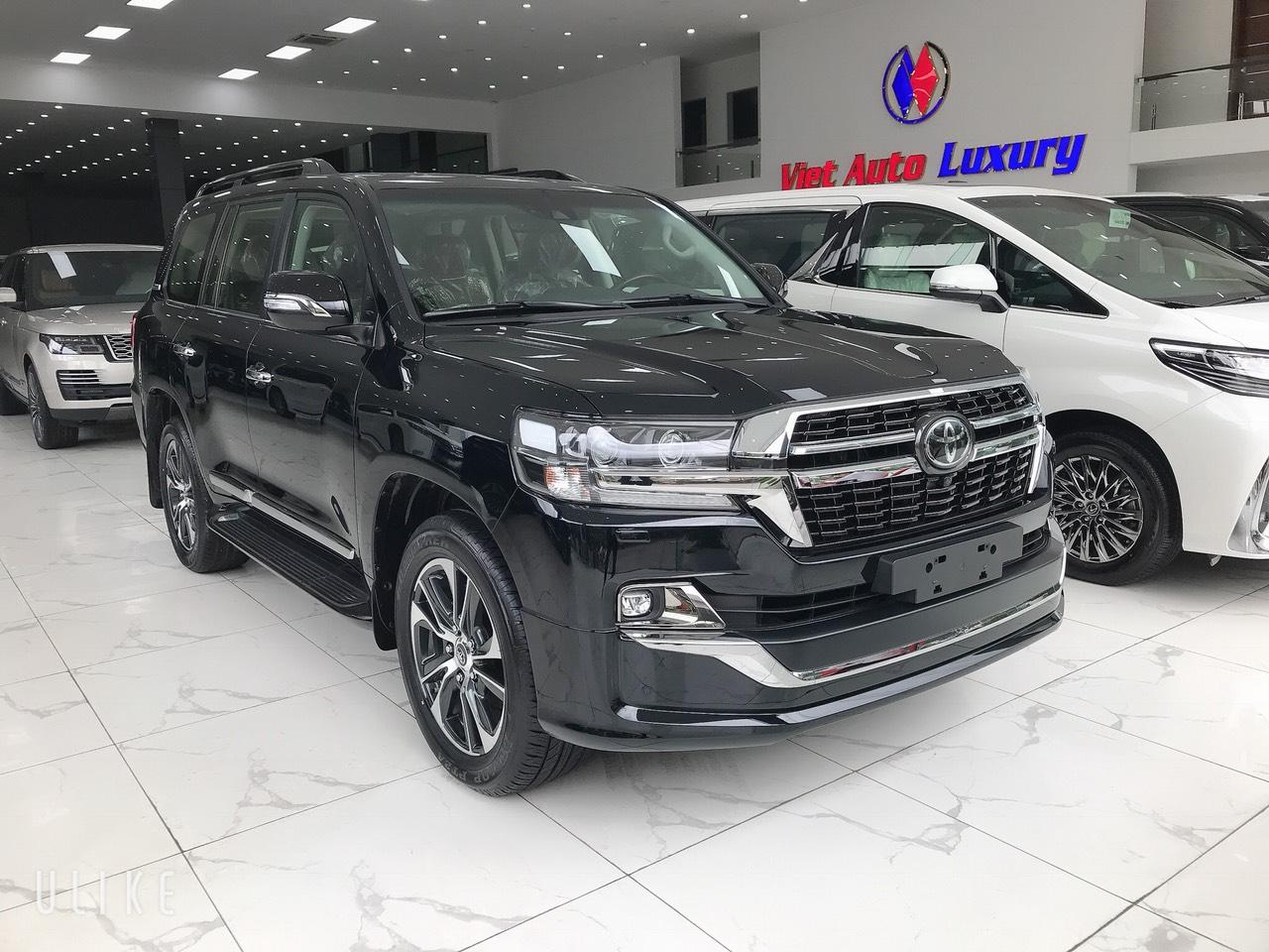 Bán Toyota Land Cruiser 4.5V8 máy dầu 2021, màu đen nhập mới