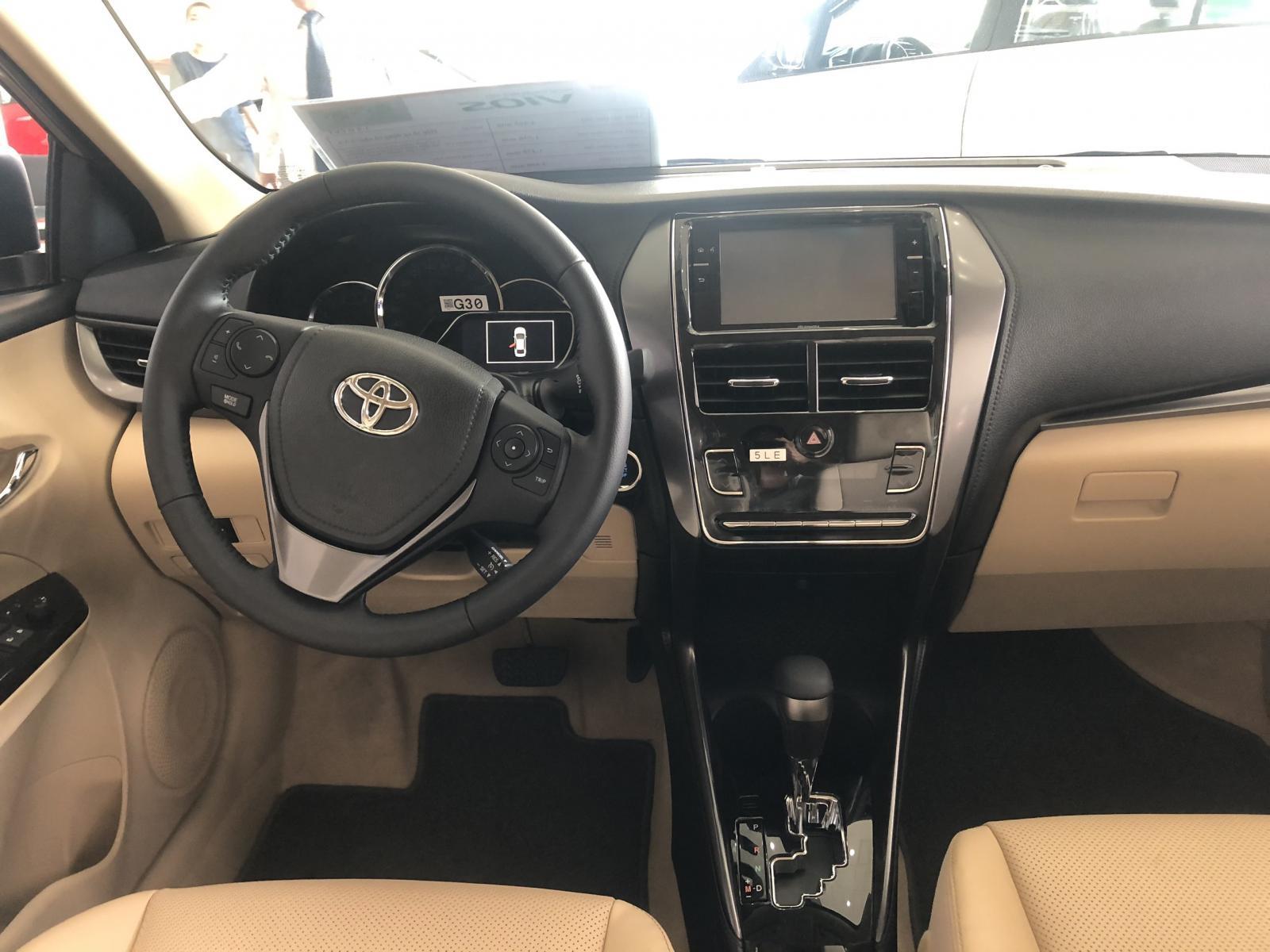Cần bán Toyota Vios 1.5G CVT đời 2021, đủ màu, trả trước 140 triệu