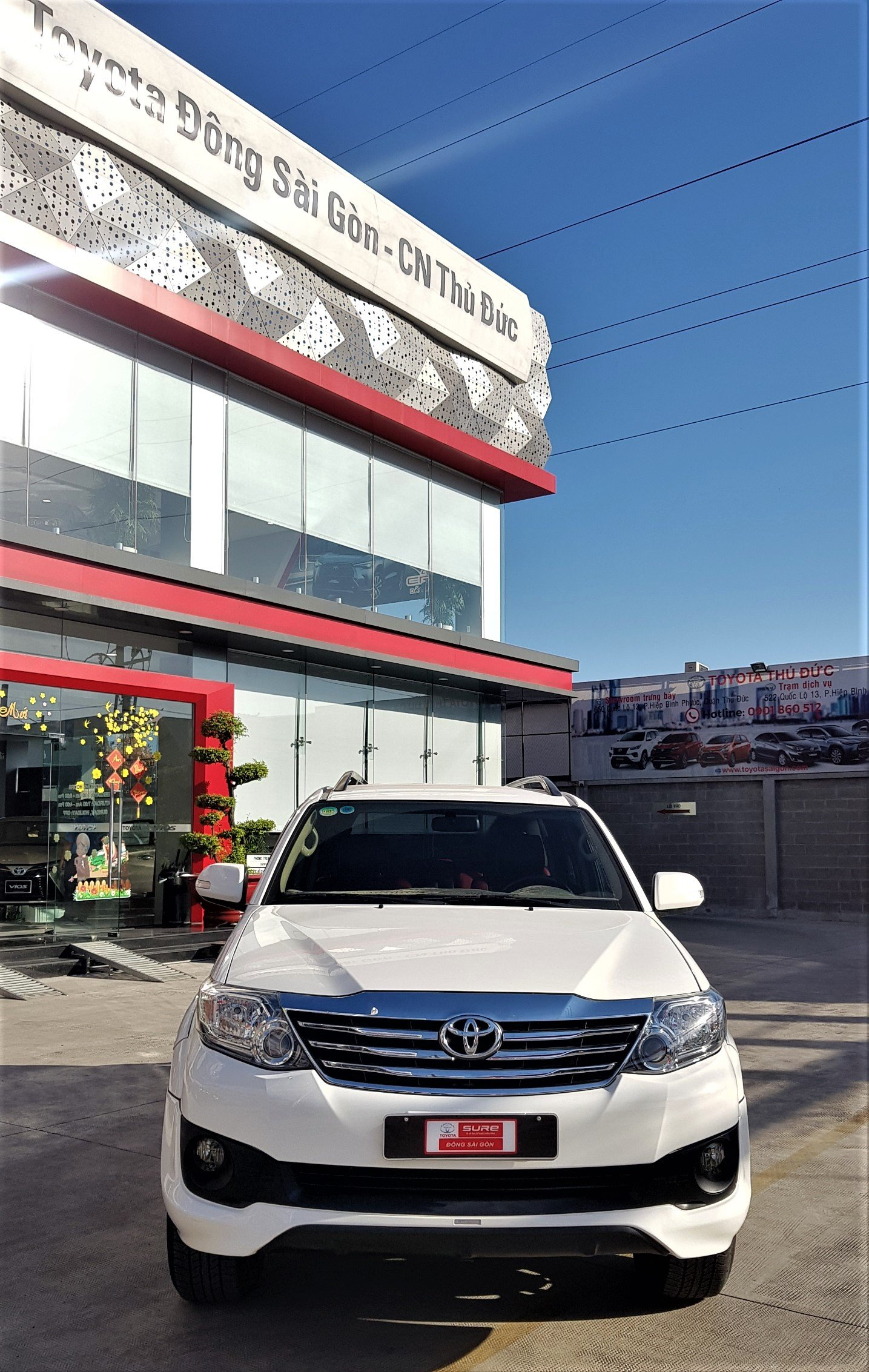 Bán xe Toyota Fortuner 2.7V TRD sản xuất 2014, màu trắng