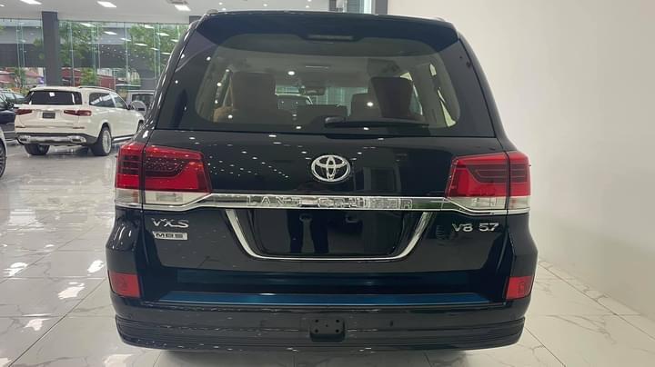 Bán Toyota Land Cruiser VXS 5.7 MBS 4 chỗ siêu VIP, nhập trung đông, sản xuất 2021, xe giao ngay