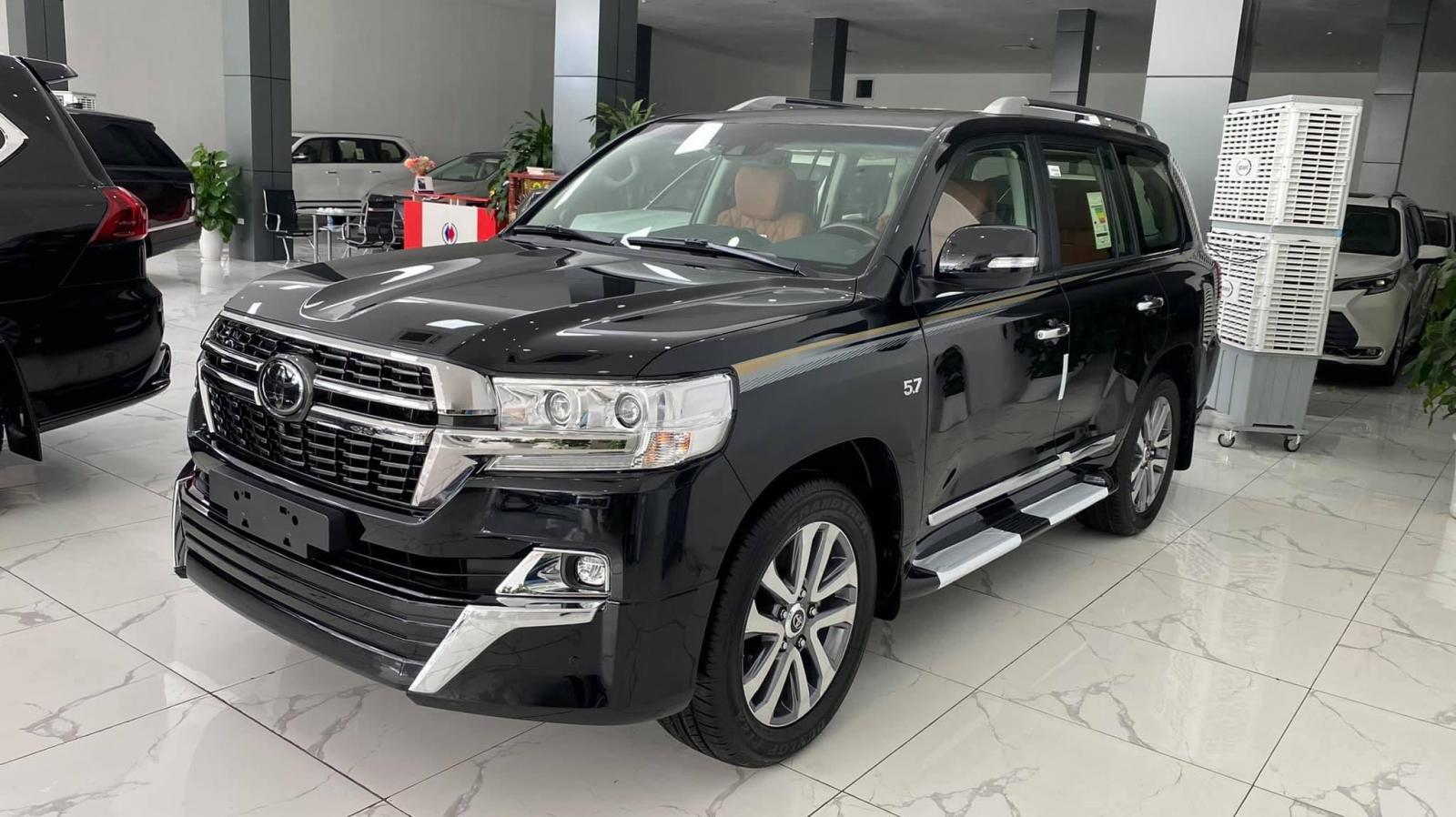 Cần bán xe Toyota Land Cruiser 5.7 VXS MBS đời 2021, màu đen, nhập khẩu chính hãng