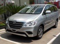 Cần bán xe Toyota Innova E đời 2016, màu bạc, giá rẻ nhất Quảng Trị giá 728 triệu tại Quảng Trị