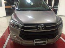 Toyota Innova 2.0E MÀU NÂU ÁNH ĐỒNG GIAO NGAY giá 746 triệu tại Tp.HCM