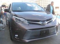 Bán Toyota Sienna Limited sản xuất 2018 màu trắng và nâu giá 4 tỷ 190 tr tại Hà Nội