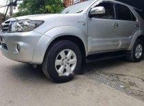 Bán Toyota Fortuner V đời 2011, màu bạc giá 585 triệu tại Tp.HCM