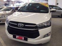 Cần bán Toyota Innova E số sàn đời 2017, màu trắng giá 750 triệu tại Tp.HCM