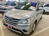 Bán xe Toyota Innova E 2014, màu bạc giá cạnh tranh giá 590 triệu tại Tp.HCM