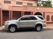 Bán xe Toyota Fortuner đời 2010 màu bạc, số sàn, máy dầu, gia đình sử dụng kỹ giá Giá thỏa thuận tại Đà Nẵng