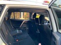 Bán xe Toyota RAV4 2015, màu trắng giá 1 tỷ 500 tr tại Tp.HCM