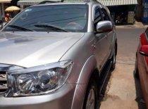 Bán Toyota Fortuner đời 2010, màu bạc, xe 2 cầu, số tự động giá 548 triệu tại Kon Tum