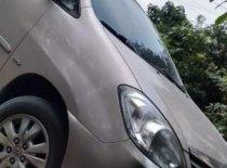 Gia đình bán ô tô Toyota Innova đời 2011, màu vàng, xe nhập giá 460 triệu tại Quảng Ninh